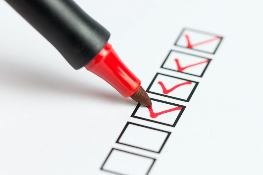checklist to list things to consider before hiring professional resume writers