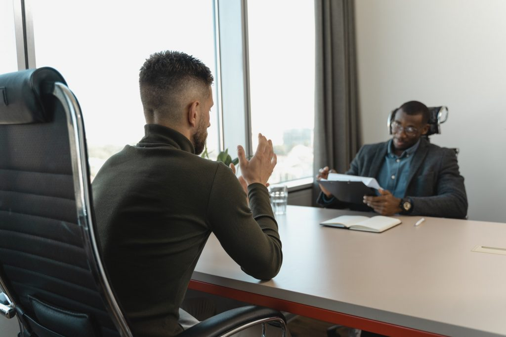 staffing agencies help applicants land job interviews