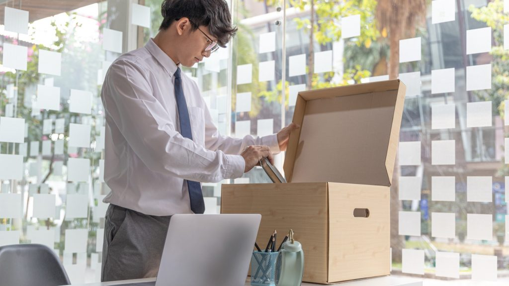 how to resign tips clean workstation before leaving