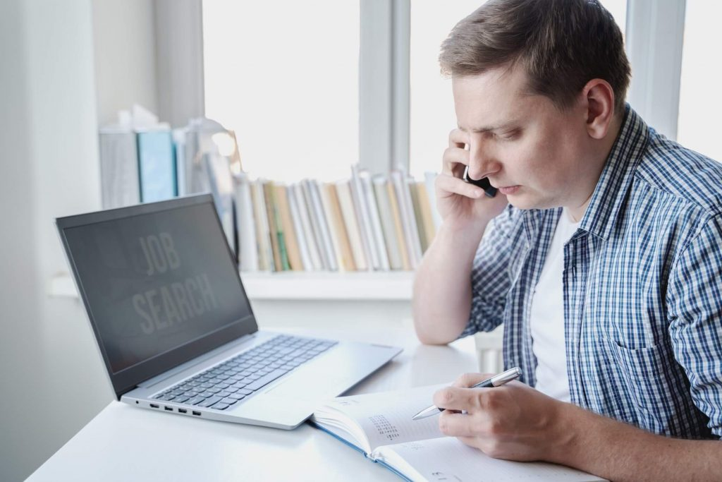 applicant calling the recruiter after submitting online job applications