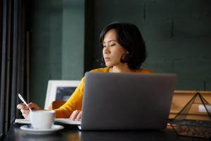 job seeker creating her resume